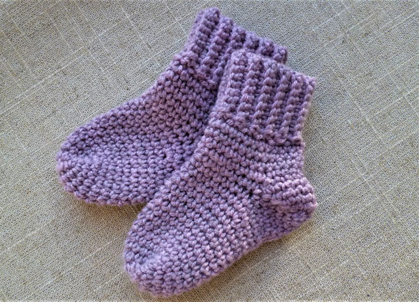 ee4c0282afb Bløde sokker i baby merino – Luksuskrea – Hækling og strik
